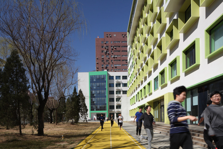 003-campus-landscape-renovation-of-the-affiliated-high-school-of-peking-university-and-chaoyang-future-school-china-by-crossboundaries