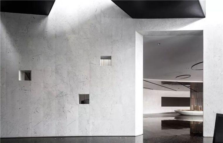 设计案例丨唐忠汉-武汉长沙售楼中心新作:错位时空,虚实光影