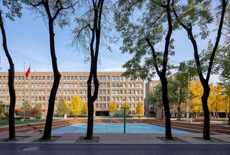 021-campus-landscape-renovation-of-the-affiliated-high-school-of-peking-university-and-chaoyang-future-school-china-by-crossboundaries