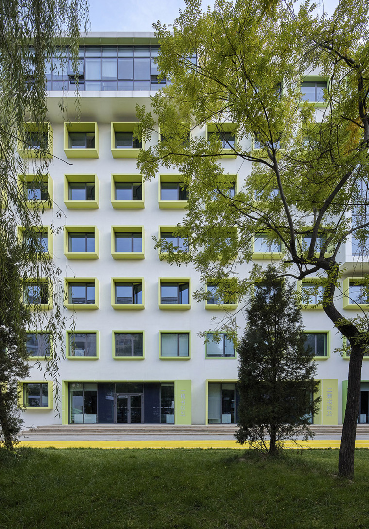 023-campus-landscape-renovation-of-the-affiliated-high-school-of-peking-university-and-chaoyang-future-school-china-by-crossboundaries