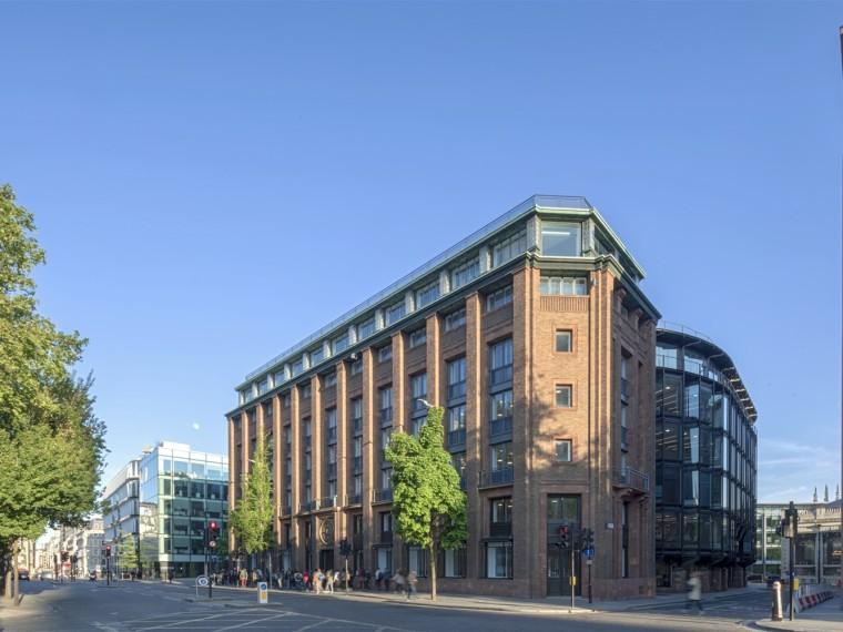 英国Bracken办公楼
