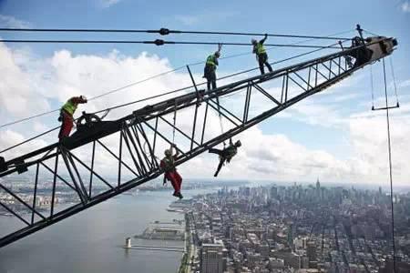 vr施工安全教育资料下载-钢结构施工安全各项要求