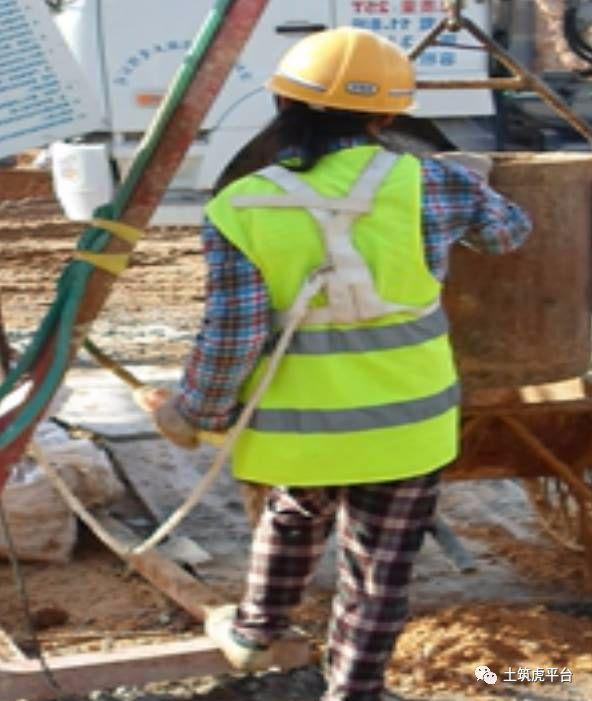 五分钟带你学习超深人工挖孔桩施工安全及质量控制_3