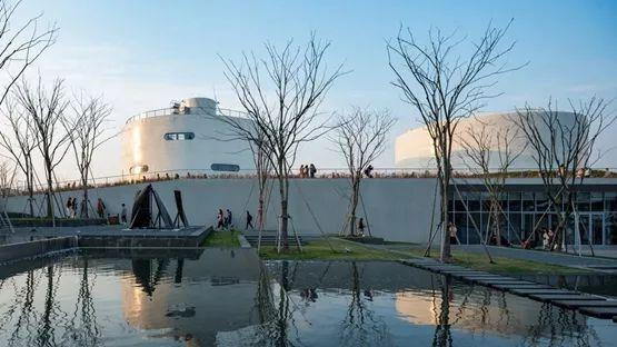 开放建筑工作室将油库改造为画廊空间