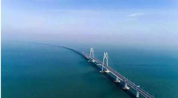 BIM技术在港珠澳大桥的应用与管理