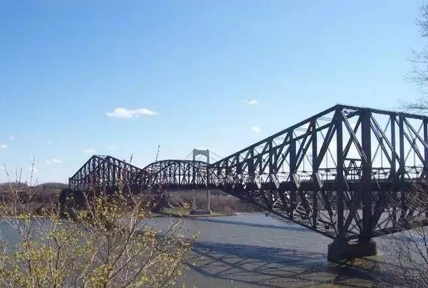魁北克大桥—这个世界第一这个世界第一成了结构力学的反面教材