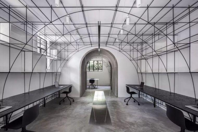 """上海办公空间""""点、线、面""""改造设计"""