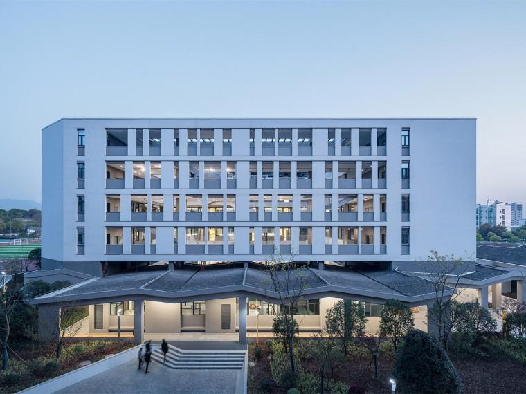 浙江高层办公楼机电安装施工组织设计