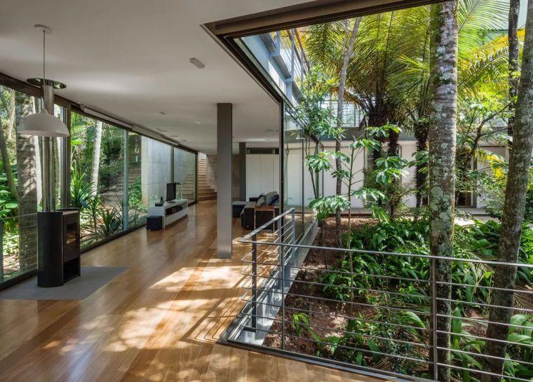 与地形和植被进行密切对话-LLM住宅,巴西/ObraArquitet