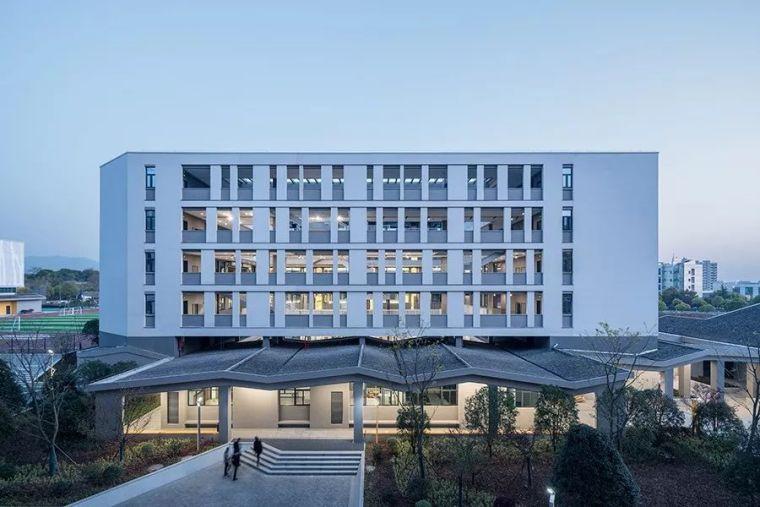 义乌新世纪外国语学校:以小尺度营造呈现大格局与新视野