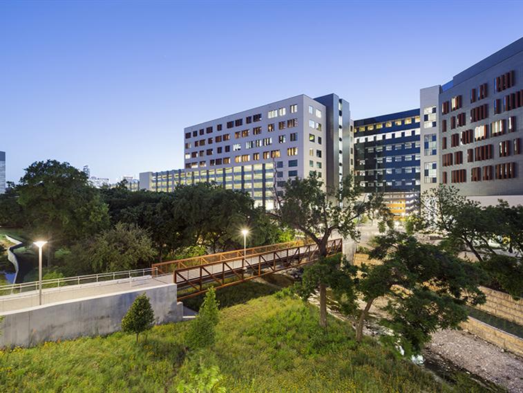 美国戴尔医学区景观设计