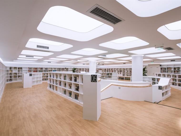 北京景山学校图书馆改造