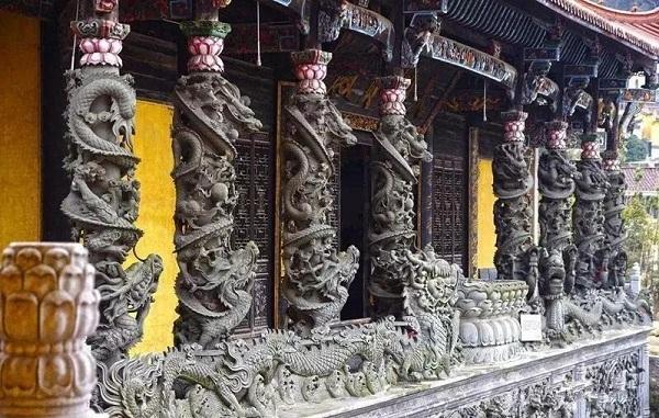 浅谈石雕龙柱的产生和象征意义