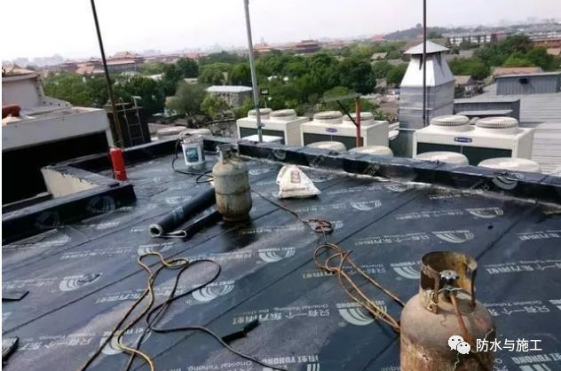 屋面渗漏防水维修施工技术方案措施流程