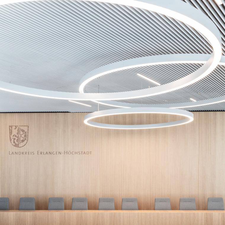 022-erlangen-hochstadt-district-administration-office-by-alleswirdgut
