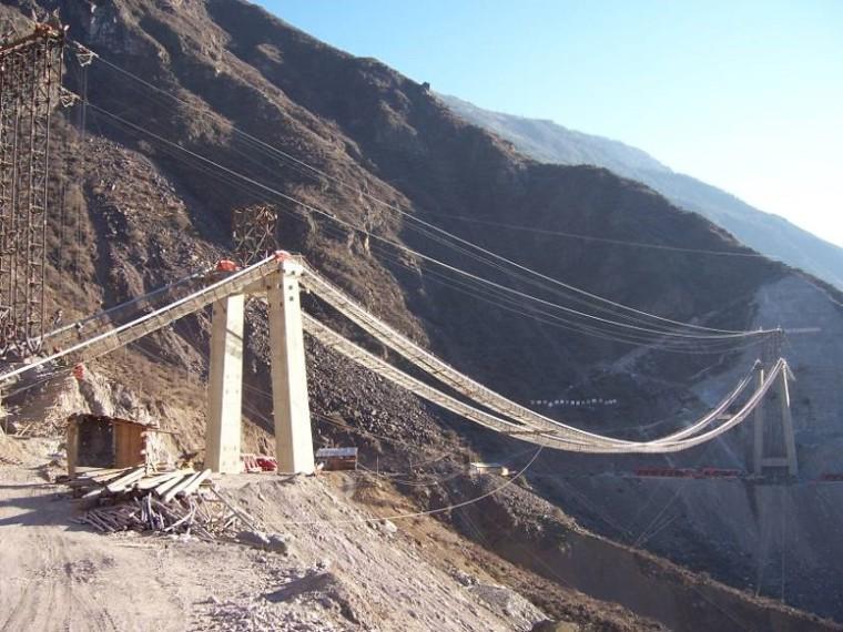 缆索吊吊装法