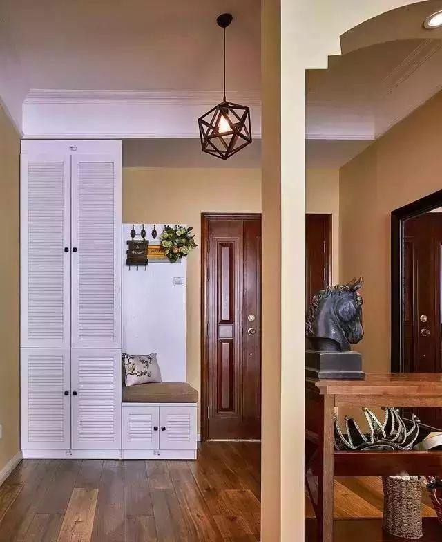 131美式三居室,头一次见到玄关这样设计,被美到了