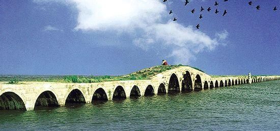 通村路桥梁资料下载-[桥梁之美]重复之美——中国苏州宝带桥
