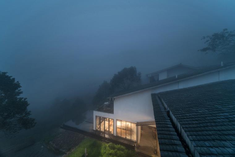 重庆虎峰山寺下山隐民宿-06-Hufeng-Mountain-Guest-House_Yueji-Design