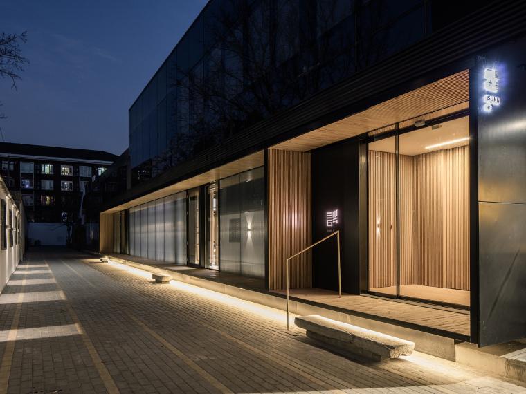 [北京]三里六七餐厅左通右达建筑工作室丨官方摄影+JPG平面-餐厅室外夜景