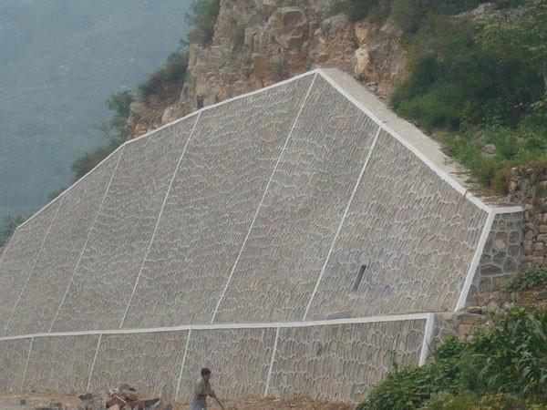 路基坡面防防护与加固技术