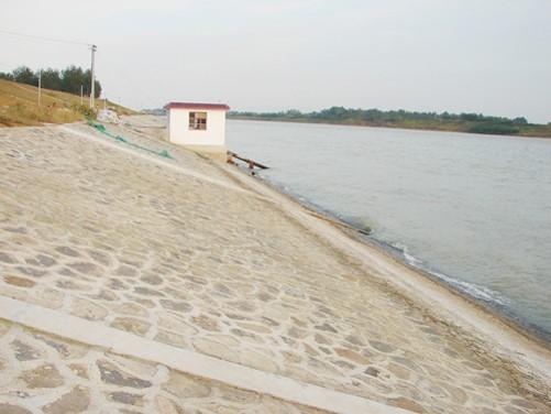 道路排水与防护加固设施施工