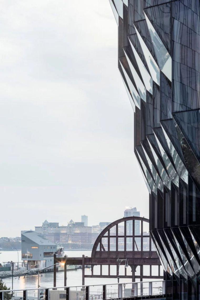 """她是继扎哈后又一建筑界""""惊奇队长"""",每个作品都是城市地标_5"""