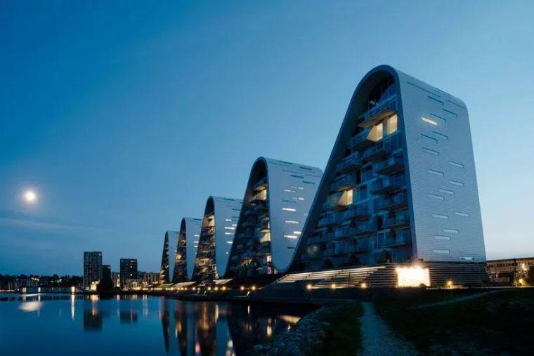 多层住宅建筑规划设计:丹麦大波浪公寓/案例