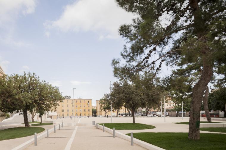 意大利圣弥额尔广场改造-©stefanoferrando_07_IMG_7169