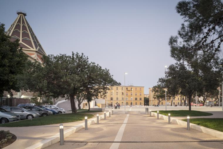 意大利圣弥额尔广场改造-©stefanoferrando_13_IMG_7425
