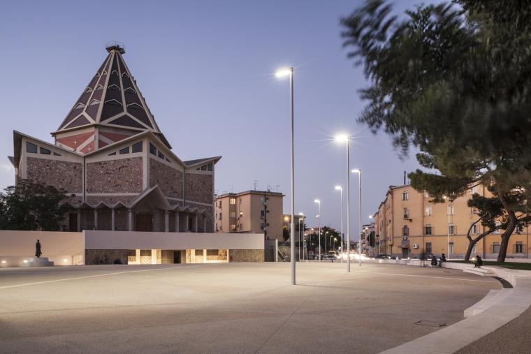 意大利圣弥额尔广场改造-©stefanoferrando_14_IMG_7432