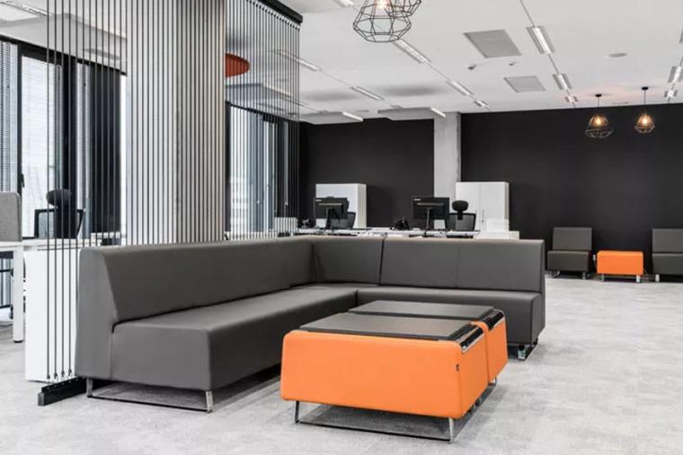 DVKEuroService华沙办公设计-5c4a78ca7ca58