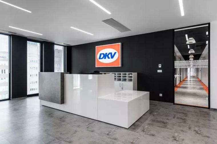 DVKEuroService华沙办公设计-5c4a766accb8d