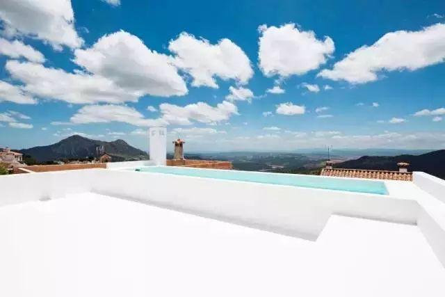 我不在意它的装修,但羡慕这阳台和屋顶!_9