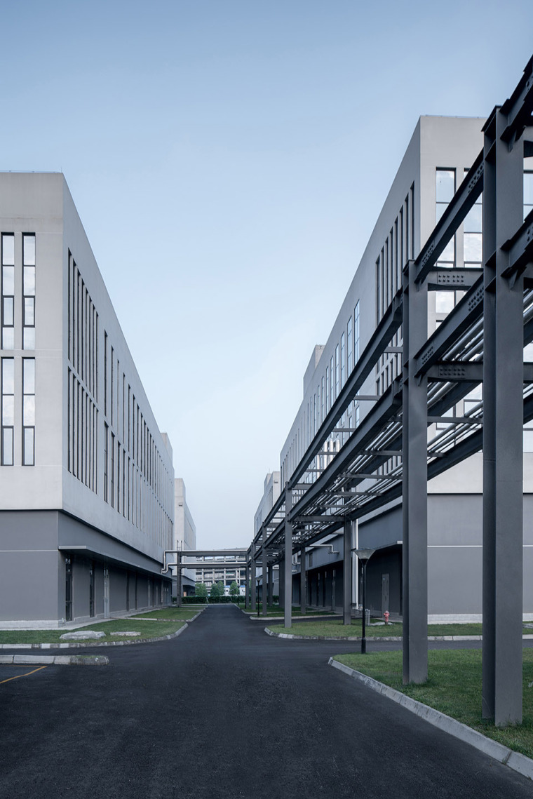 56-the-first-stage-production-base-of-chengdu-chipscreen-medicine-industry-china-yuanism-architects-cpidi