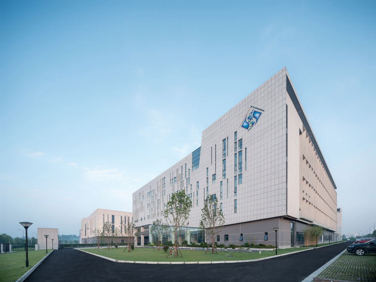 61-the-first-stage-production-base-of-chengdu-chipscreen-medicine-industry-china-yuanism-architects-cpidi