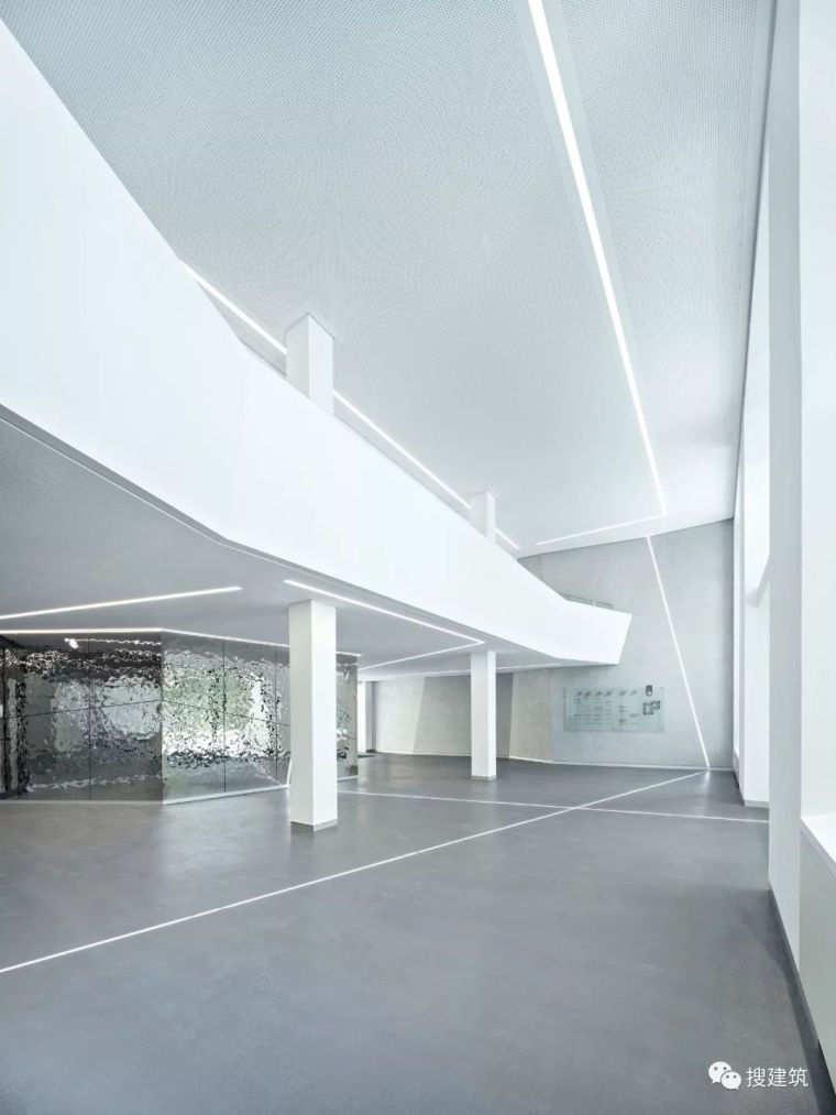 焕发活力的新办公楼设计_17