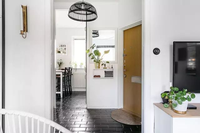 50㎡的小公寓,卧房、客厅、卫浴、厨房、饭厅全都有!_14