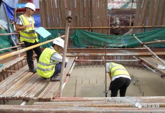 超大人工挖孔桩施工工艺及监理控制要点_23