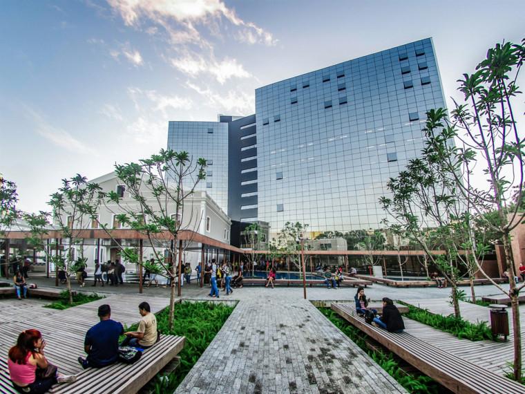 巴西UNIBRA大学花园广场