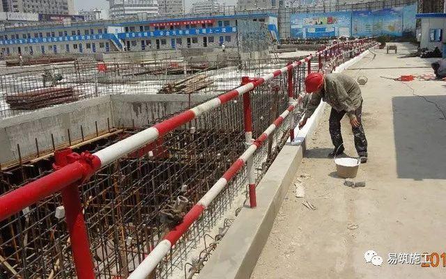 超高层建筑22米深基坑逆作法施工现场,看基础如何倒过来施工_4