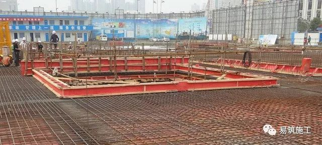 超高层建筑22米深基坑逆作法施工现场,看基础如何倒过来施工_2
