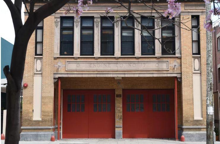 消防站改造酒店,每一间房的都很有特色_2