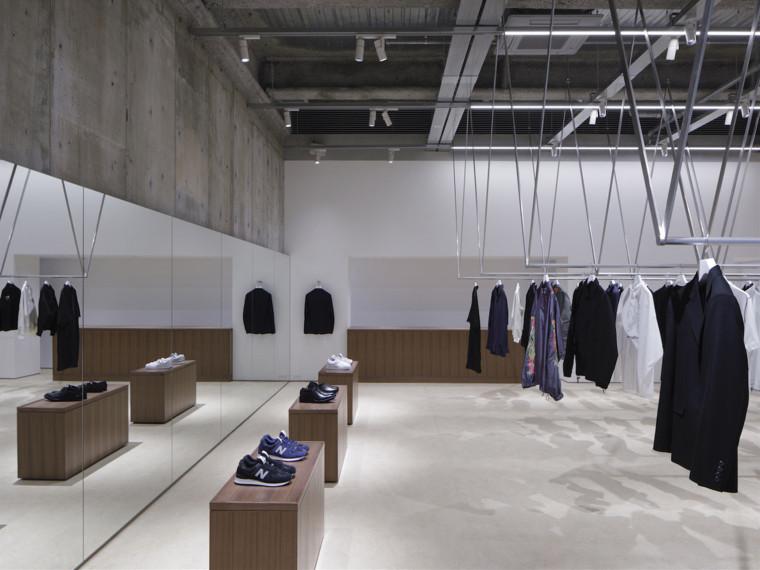 日本CÔTEÀCÔTE精品服装店
