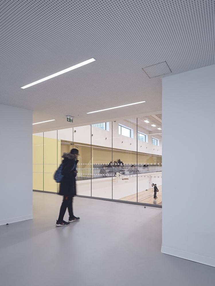 法国EspacePompidouGymnasium健身房-Enia_architectes-Espace_Pompidou_-_Courbevoie-Epaillard_Machado_23_ArchDaily