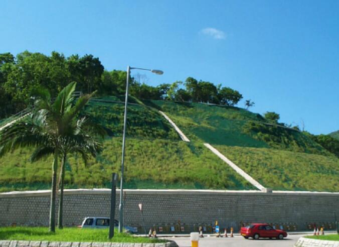现代边坡绿化技术与生态防护
