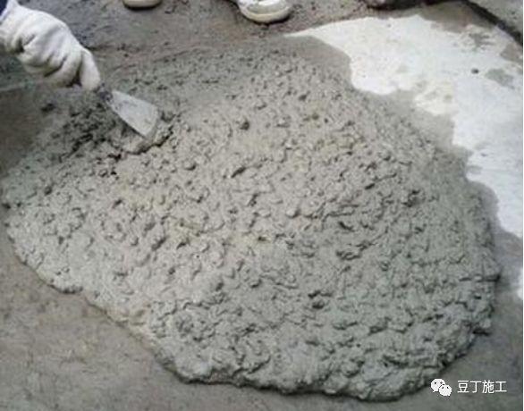 如何浇筑混凝土,防治裂缝、露筋等质量通病