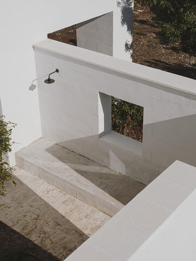 023-villa-cardo-by-studio-andrew-trotter