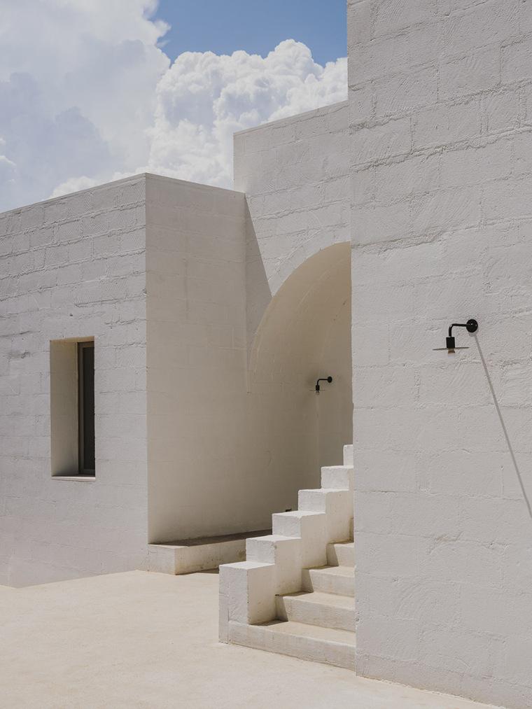 096-villa-cardo-by-studio-andrew-trotter