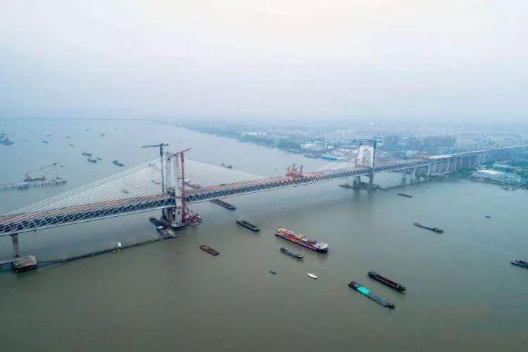 中国内河桥梁建设与通航标准之问